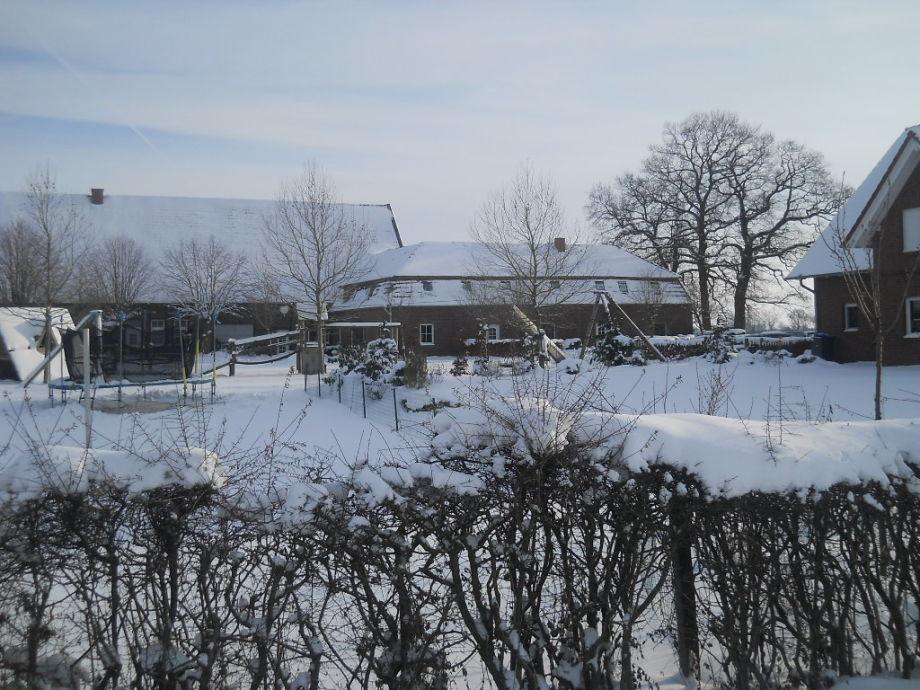 Ferienhofansicht im Winter
