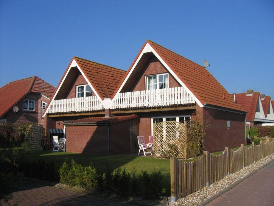 Zwei nebeneinander liegende Häuser