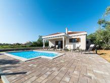 Villa Minuet
