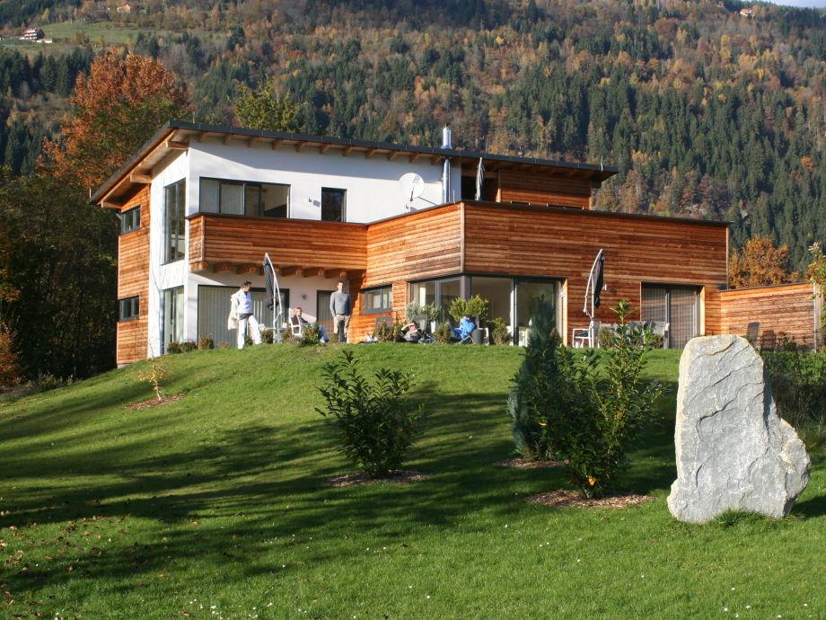 Seehaus im Herbst