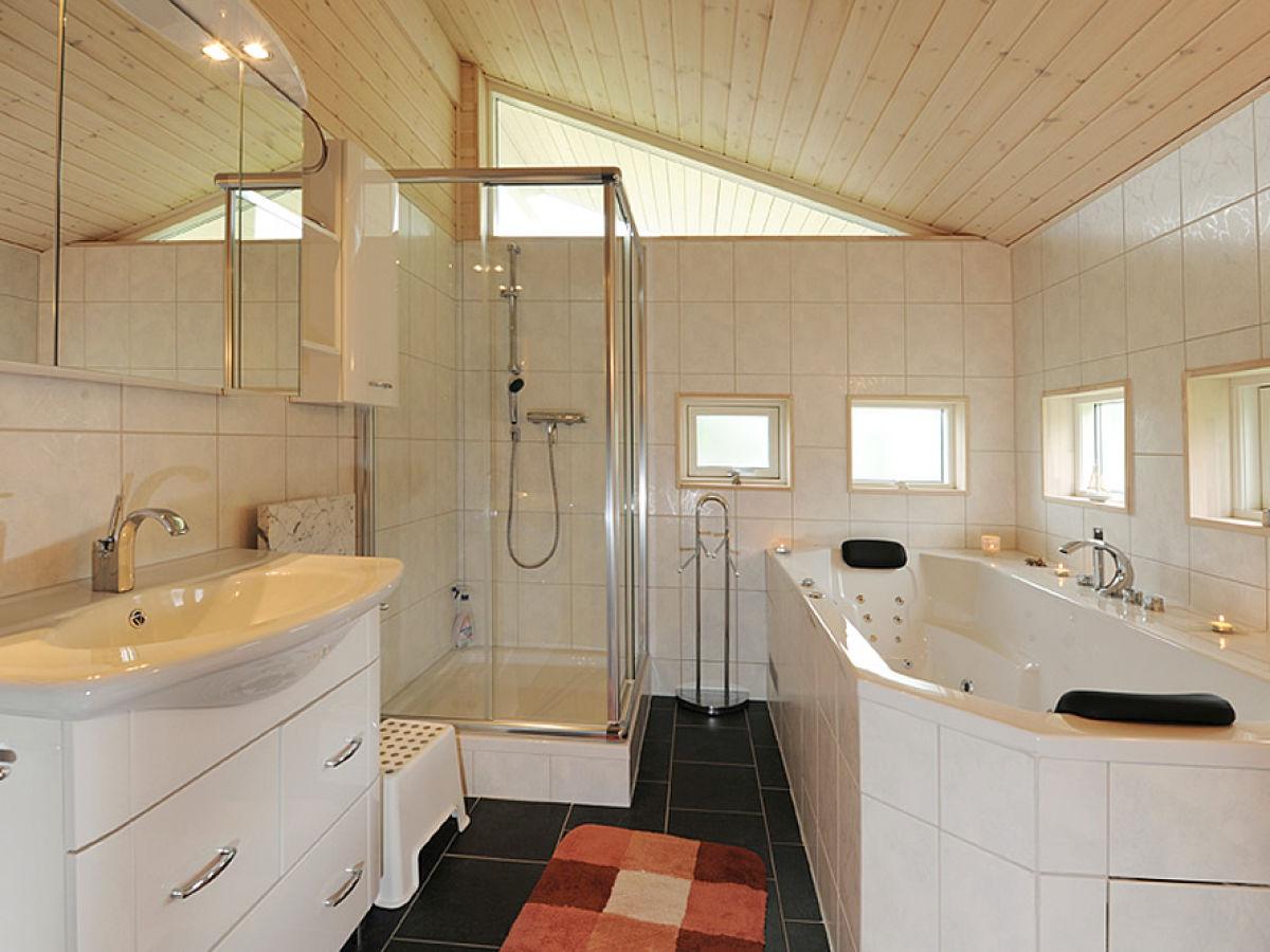 Ferienhaus rheinsberg ii r thnick familie claudia - Sauna whirlpool ...