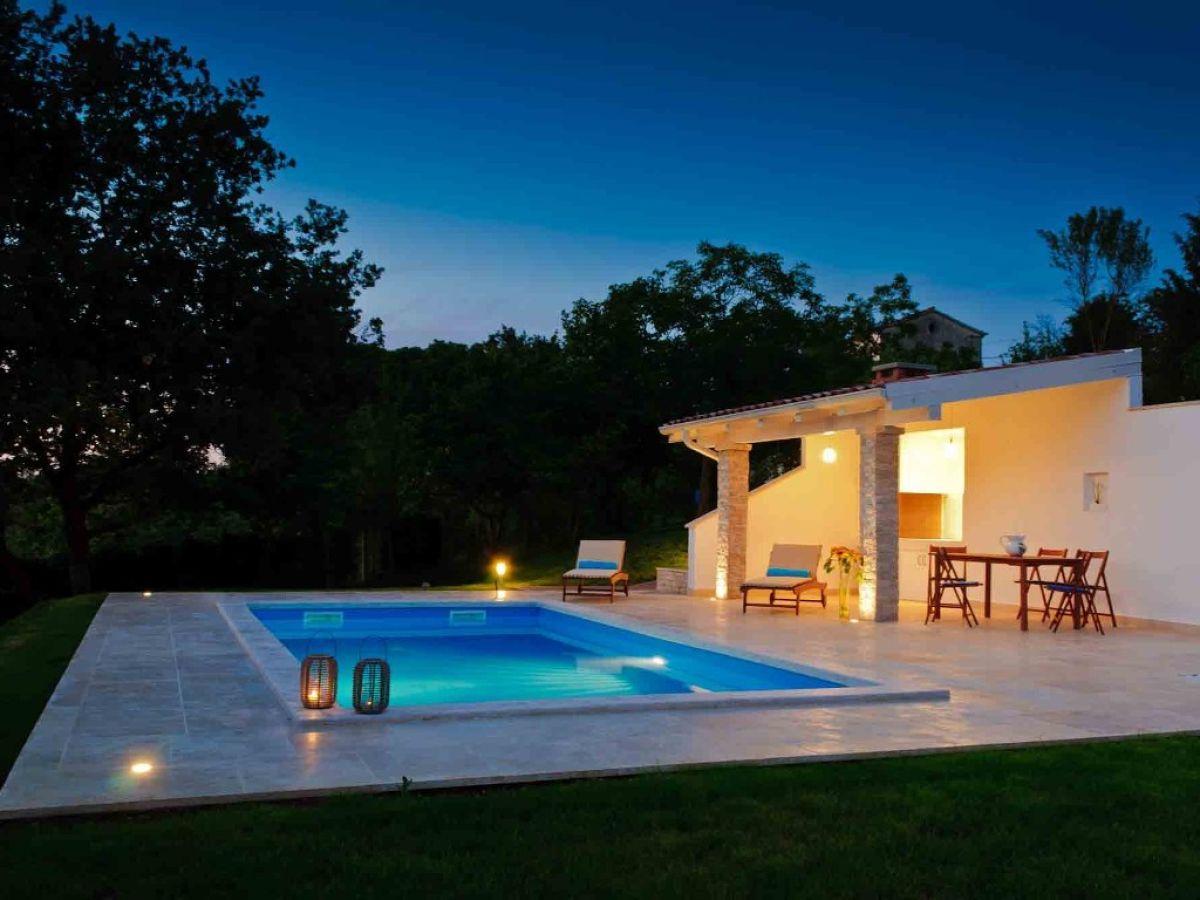 Sommerküche Englisch : Villa rovine motovun niksa bartolic
