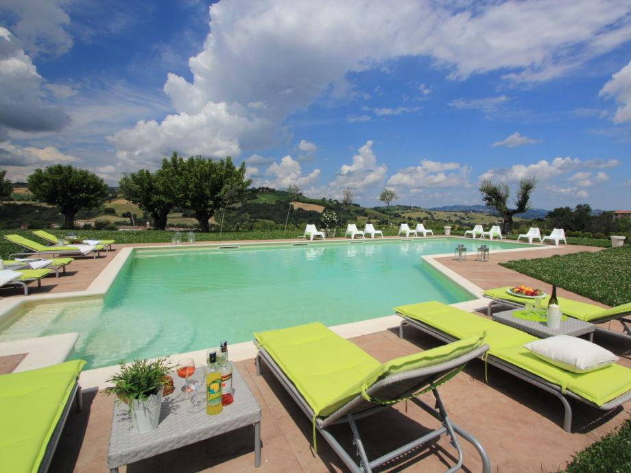 Cassiopea - swimming pool