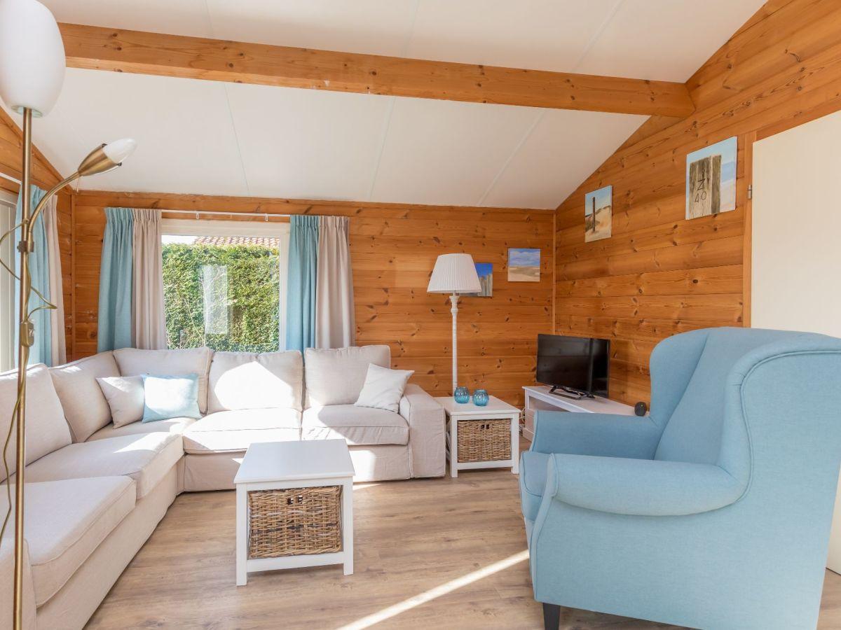 Ferienhaus beachpark 66 renesse firma sorglos urlaub in for Eingerichtete wohnzimmer