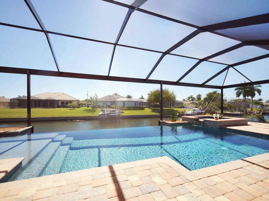 Villa New Waterside - Pool