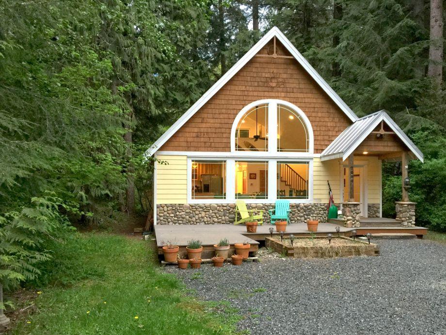 Mt. Baker Lodging - family Cabin #1
