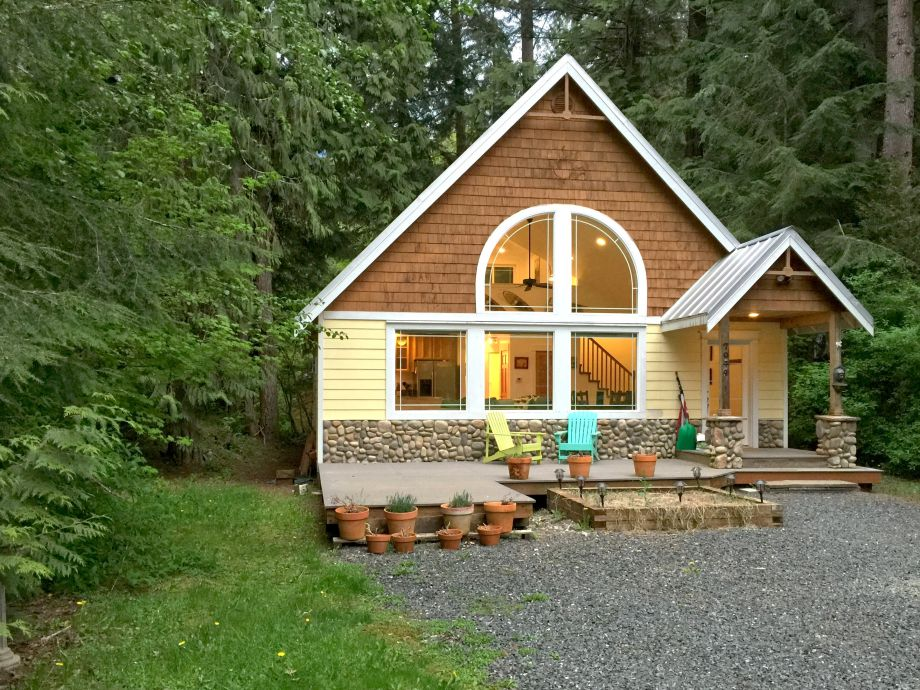 Mt. Baker Lodging - family Cabin #1