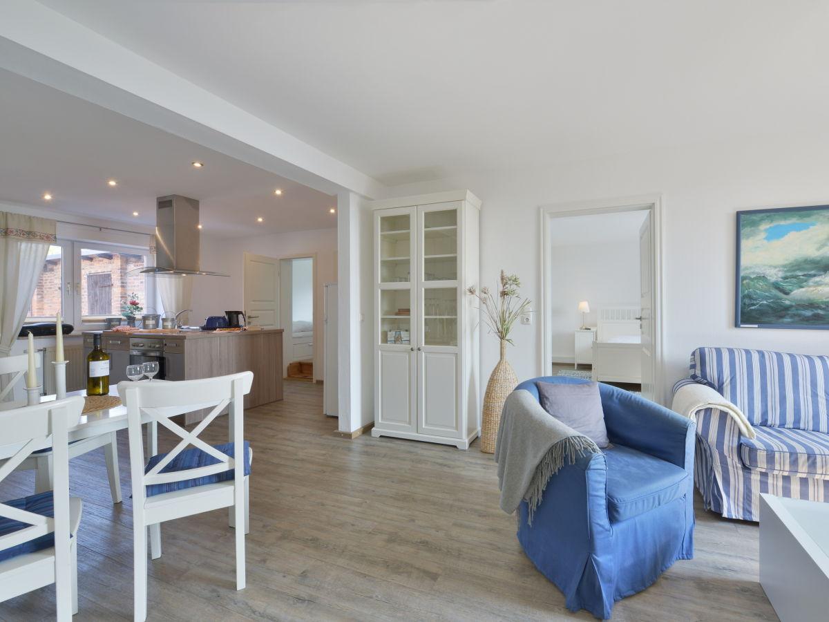 ferienwohnung boddenzander breege firma femaris gmbh. Black Bedroom Furniture Sets. Home Design Ideas