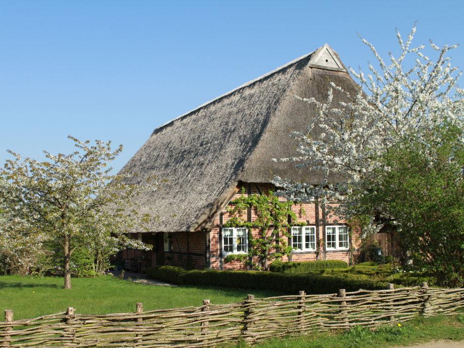 Blick auf das gemütliche Bauernhaus
