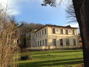 """Ferienwohnung Villa Kaiserhof Wohnung 8 """"Zechlin"""""""