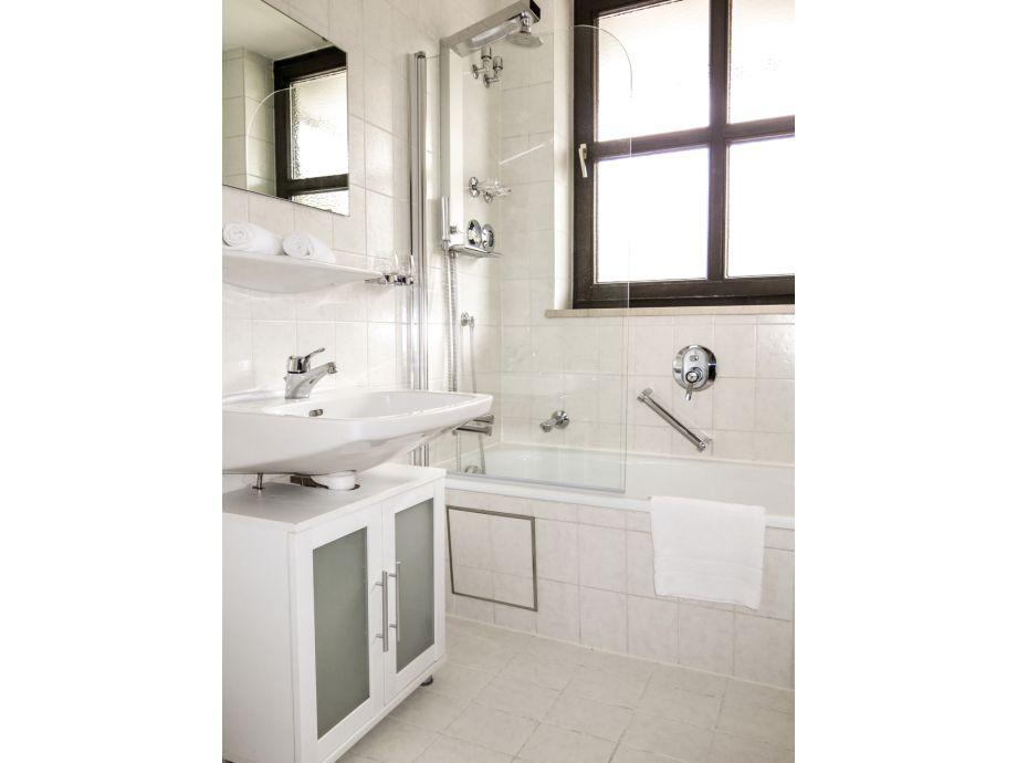 ferienwohnung alpenpanorama a4 garmisch partenkirchen firma alpenferienwohnungen frau. Black Bedroom Furniture Sets. Home Design Ideas