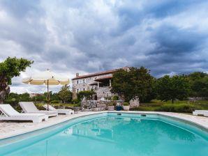 Stone Villa in Central Istria R (6+1)