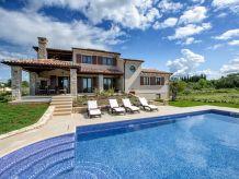 Villa Luxury Modern Villa (7+2)