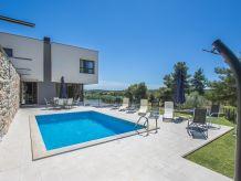 Modern Villa Martina