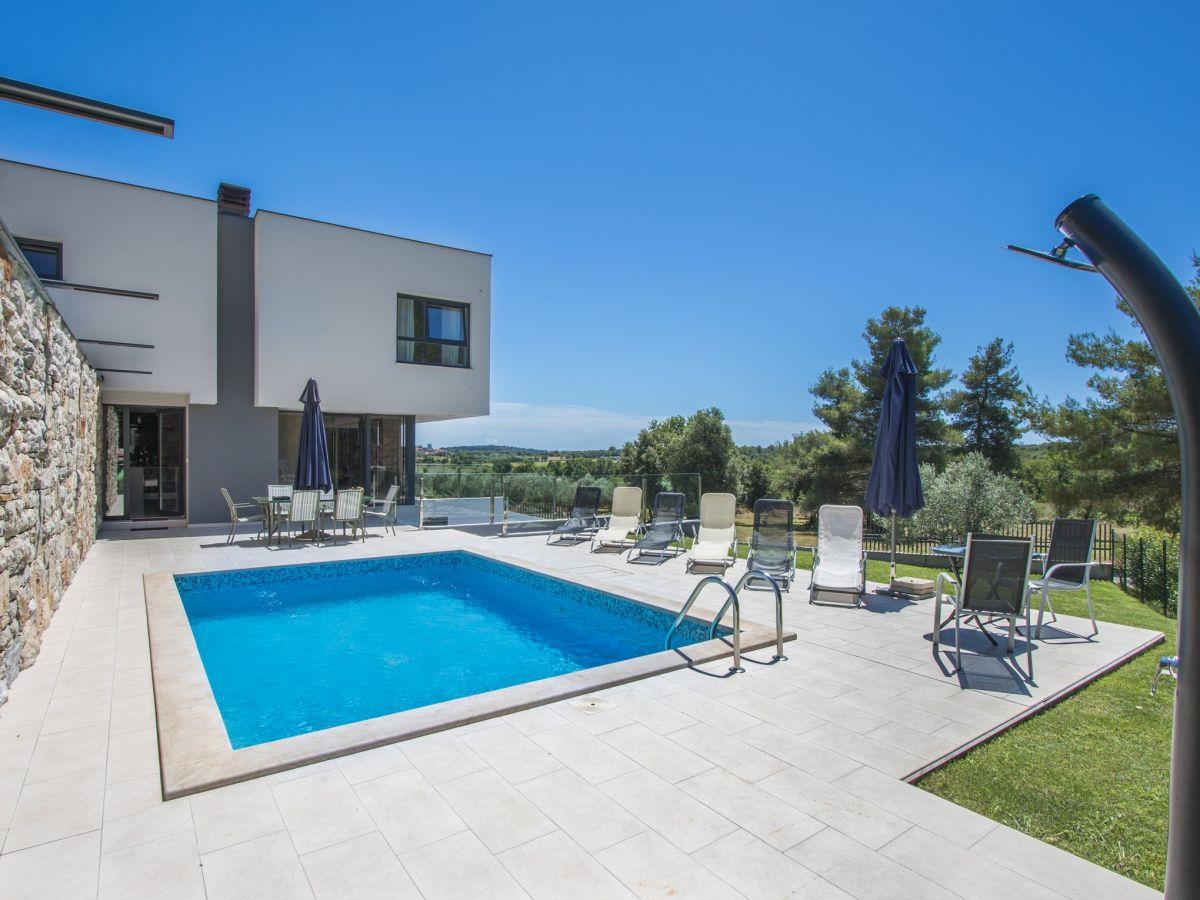 Moderne villa martina pula firma be creative j d o o herr