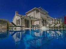 New Stone Villa Zahara (6+2)