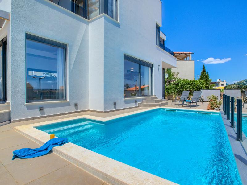 Modern Villa Val Di Bora (6 + 1)