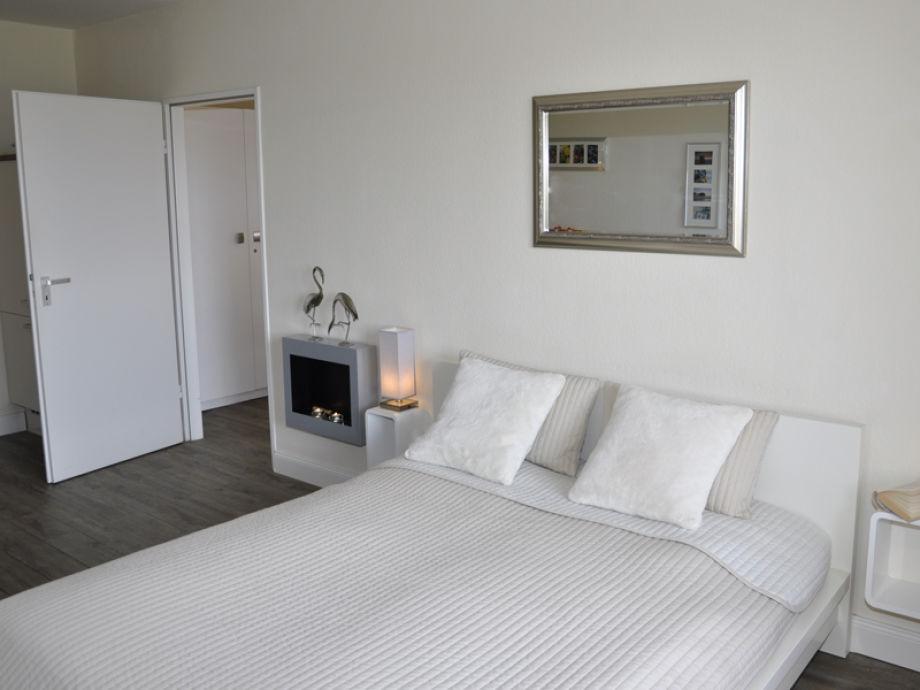ferienwohnung morgensonne holm ostsee kieler bucht. Black Bedroom Furniture Sets. Home Design Ideas