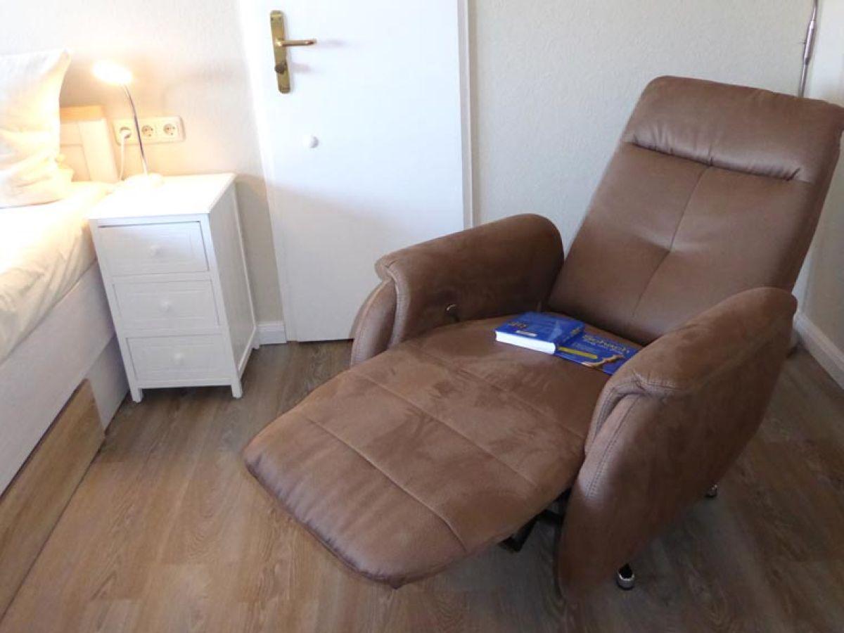 ferienwohnung strandhotel 21 laboe firma f rdefewo. Black Bedroom Furniture Sets. Home Design Ideas