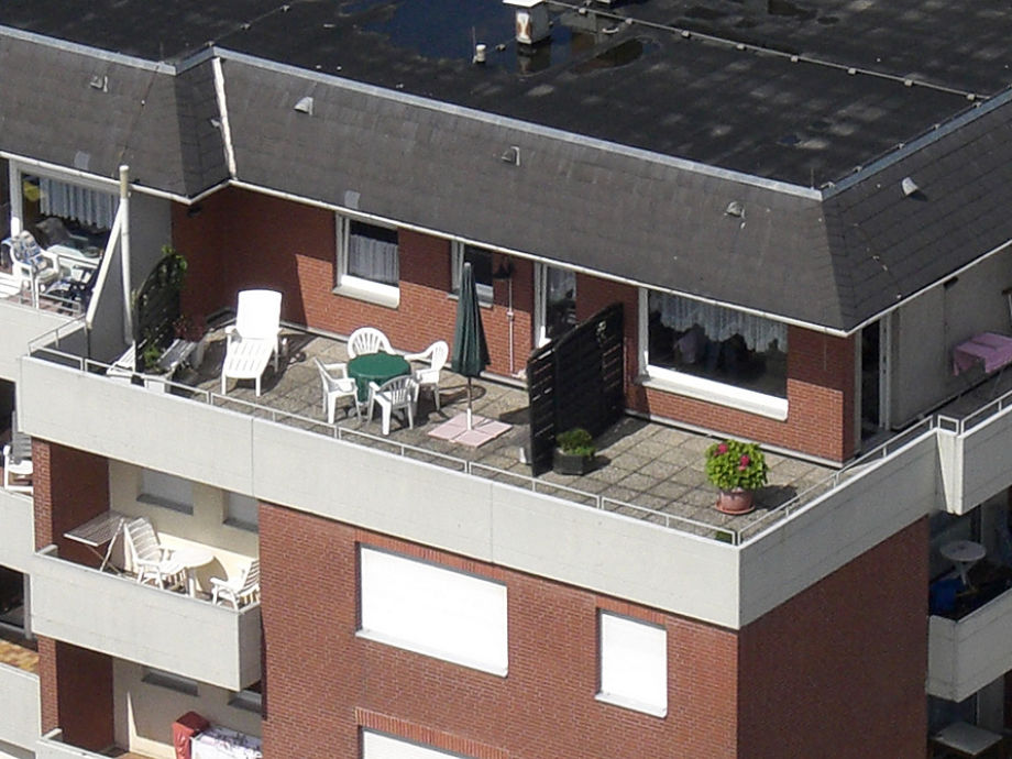die Dachterrasse zur alleinigen Nutzung