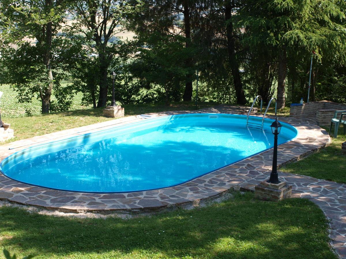 Ferienhaus casa isabella corinaldo frau barbara binkele for Garten pool wanne
