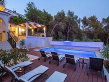 Ferienwohnung Superior Ferienwohnung - Villa Fani