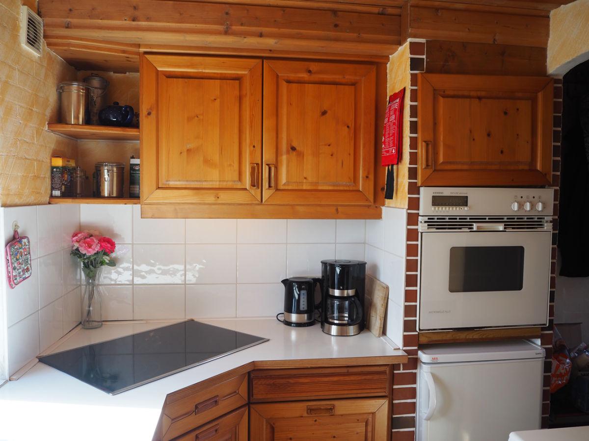 ferienhaus silke reet nordstrand firma vermietung verwaltung von ferienh usern frau gudrun. Black Bedroom Furniture Sets. Home Design Ideas