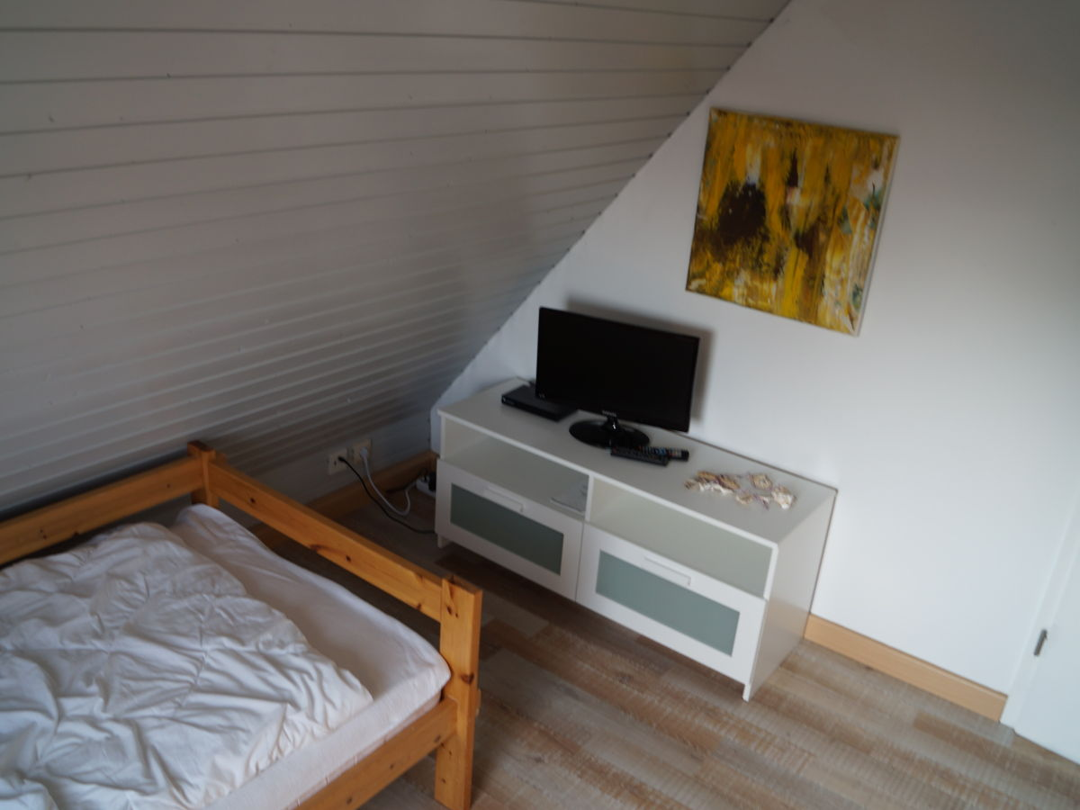 Ferienwohnung m wennest butjadingen frau marita strunk voss for Schlafzimmer dachgeschoss