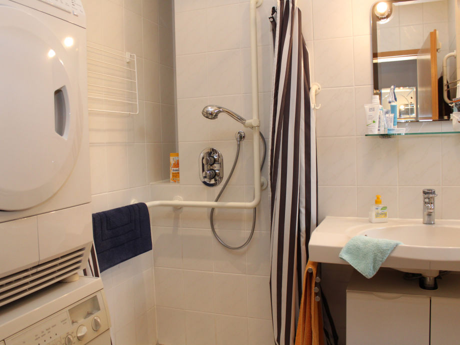 Ferienwohnung Haus Am Wiesengrund 2   Bad Waschmaschine