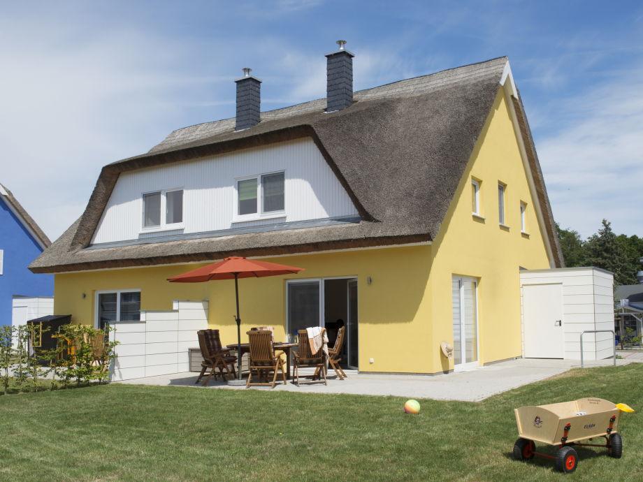 """Ferienhaus """"Küstensegler""""- Terrasse und Garten"""