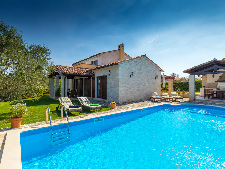 Villa Karojba lies in idyllic Istrian countryside