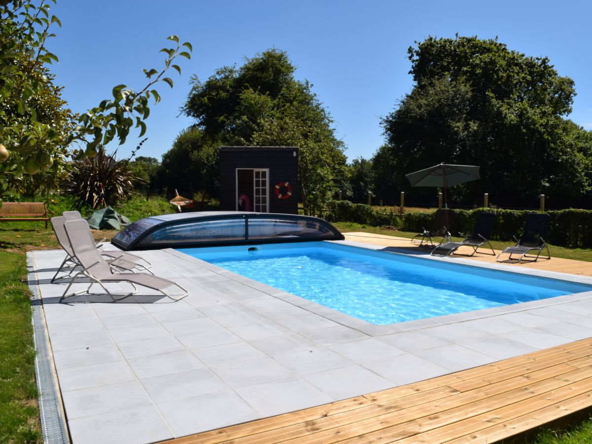 Holiday house le r ve the dream saint nicolas de - Heated swimming pool running costs ...