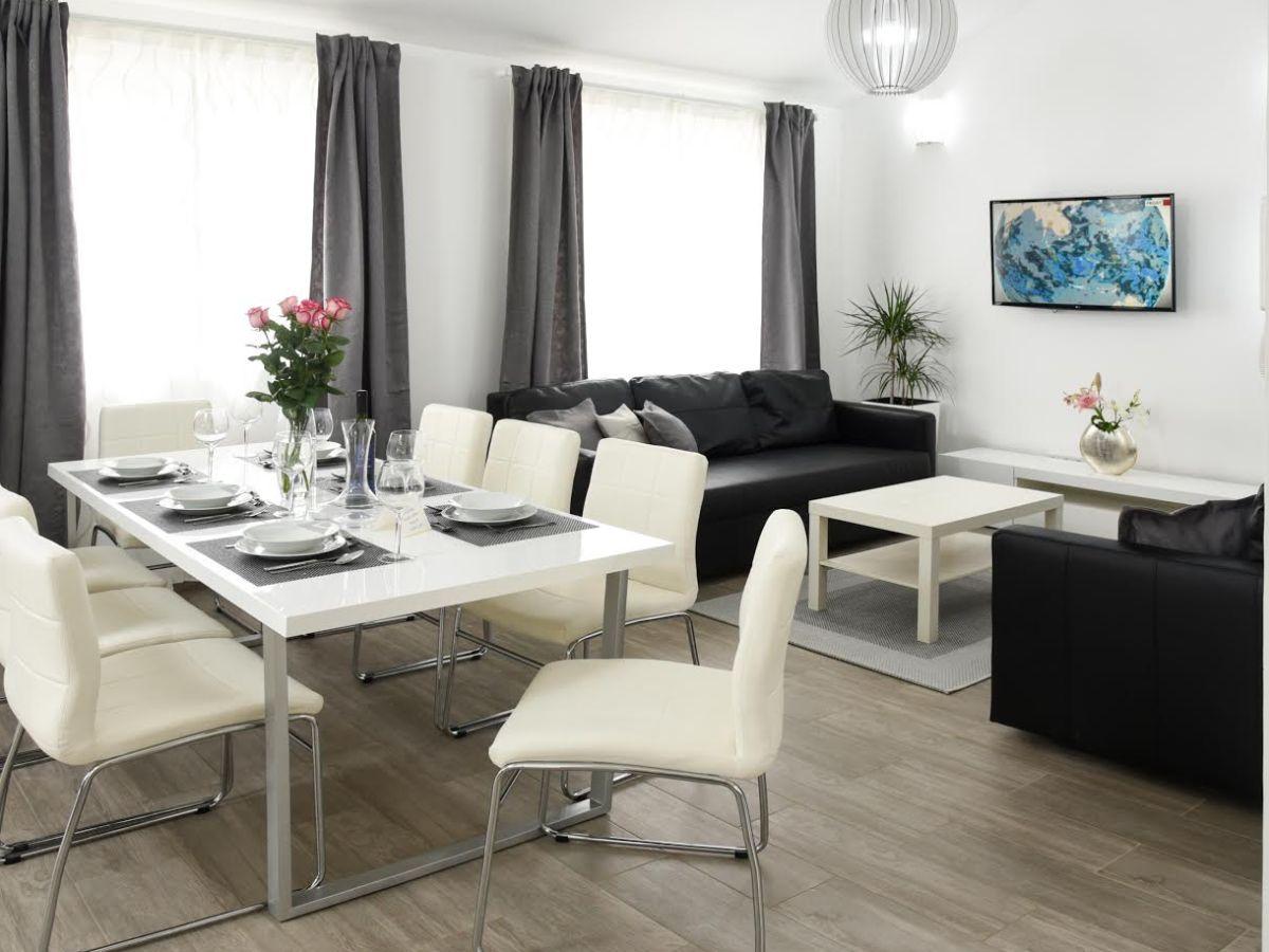 ferienwohnung villa lux malinska insel krk firma apolinar d o o frau sonja zic milcetic. Black Bedroom Furniture Sets. Home Design Ideas