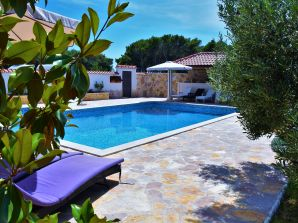 Apartment Villa Barbara mit Pool
