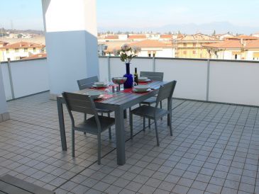 "Holiday apartment ""GARDA LUCKY"" APARTMENT 4 BEDROOMS FOR 10 PEOPLE TERRACE"