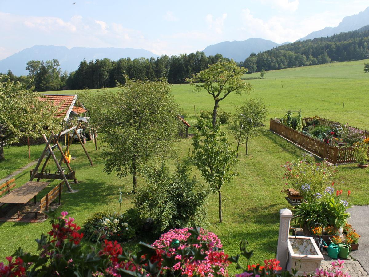 ferienwohnung enzian im landhaus kamml berchtesgadener land frau marianne kamml. Black Bedroom Furniture Sets. Home Design Ideas