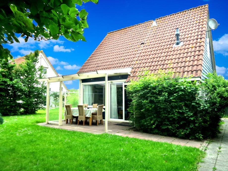 Außenaufnahme Deichhaus am Lauwersmeer