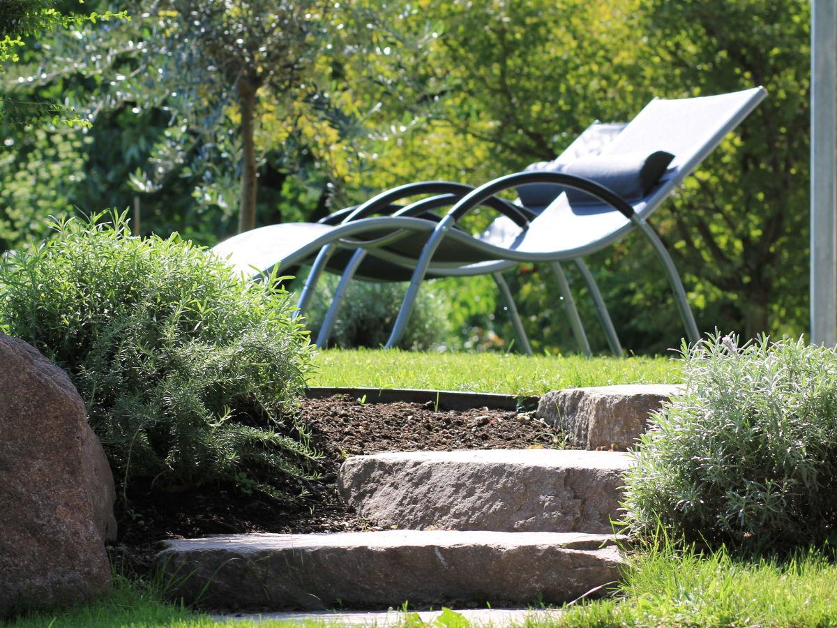ferienwohnung feigenbaum lana familie ulrich holzner. Black Bedroom Furniture Sets. Home Design Ideas