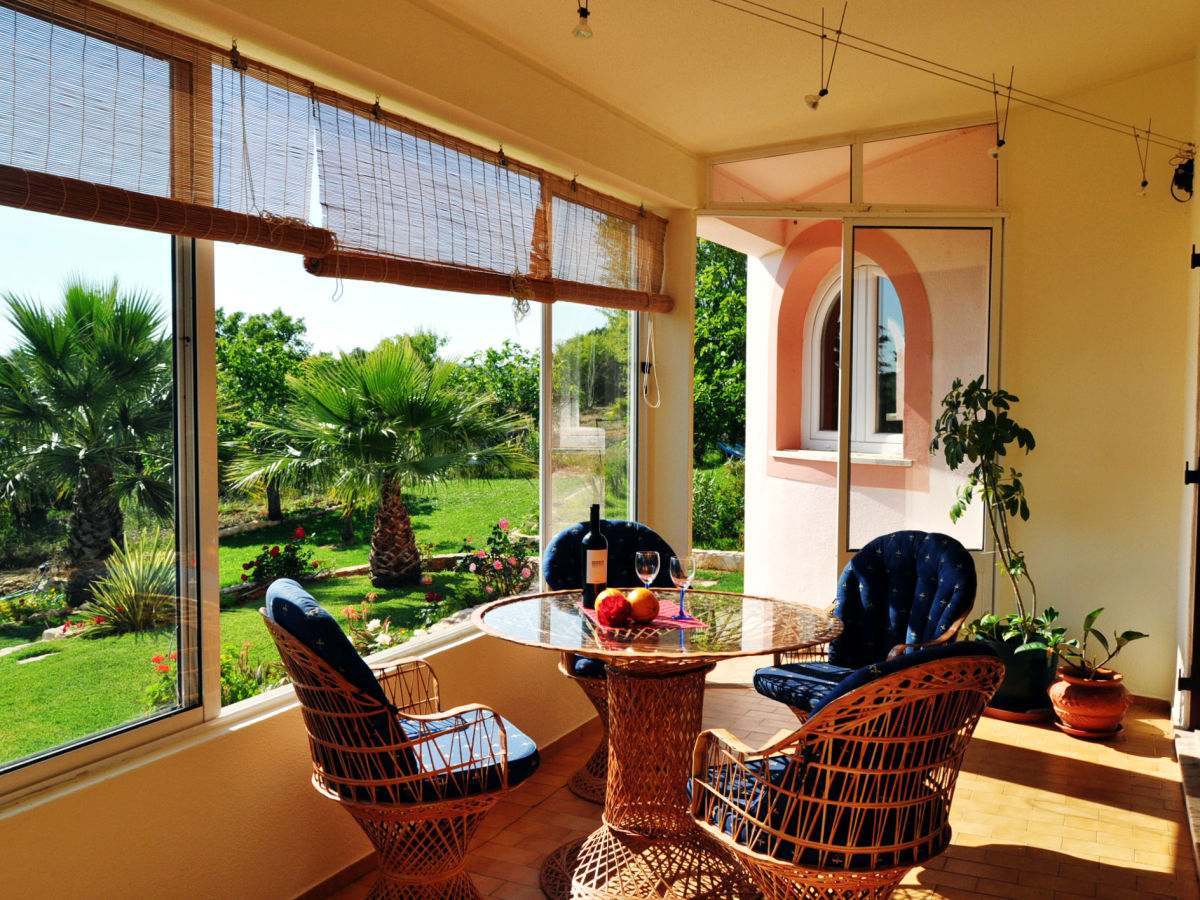 ferienhaus quinta phoenix algarve frau maren grey. Black Bedroom Furniture Sets. Home Design Ideas