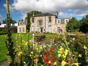 Ferienwohnung Eskbank Luxury Garden Apartment