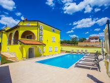 Holiday apartment Nikolina in Villa Andrea