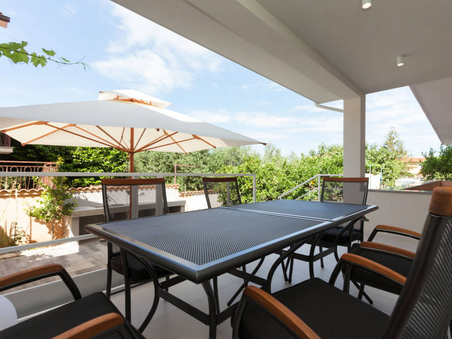 Dining table on the lower terrase