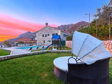 Villa Pave Hilltop Retreat