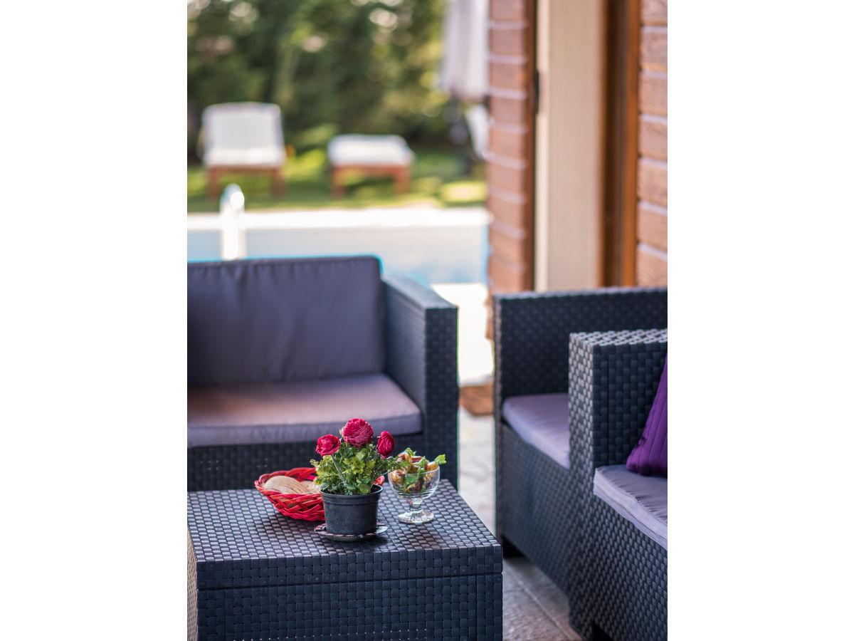 villa rustica svetincenat istrien firma my waycation. Black Bedroom Furniture Sets. Home Design Ideas