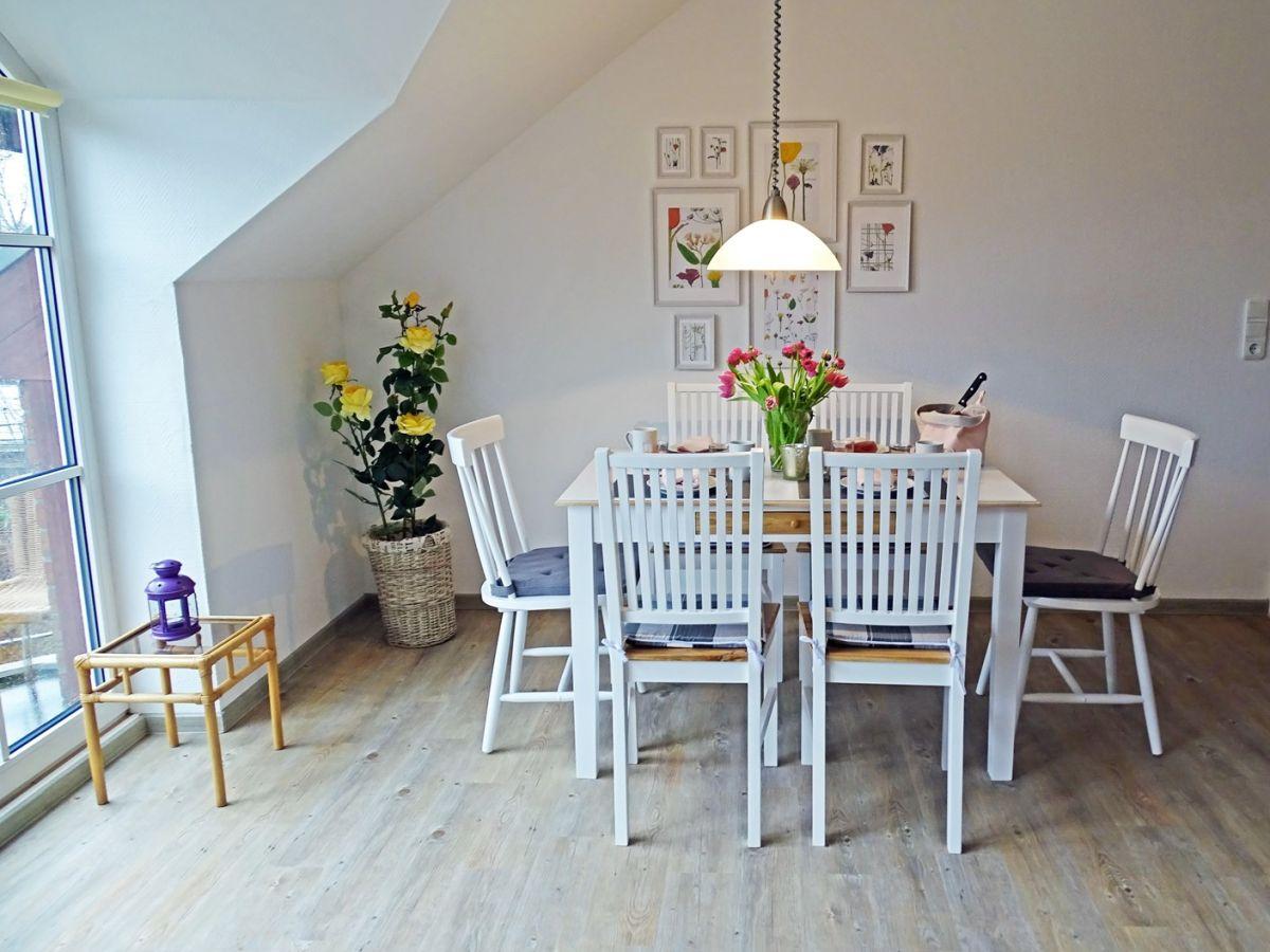 ferienwohnung groote strandstuuv ostseebad sch nhagen firma designer tours frau j rdis. Black Bedroom Furniture Sets. Home Design Ideas