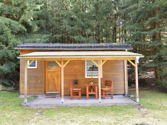 ferienhaus 4 personen im bungalowdorf am waldbad th ringer wald firma campingplatz. Black Bedroom Furniture Sets. Home Design Ideas