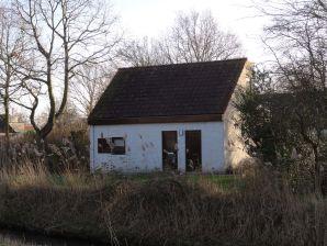Ferienhaus am Ufer