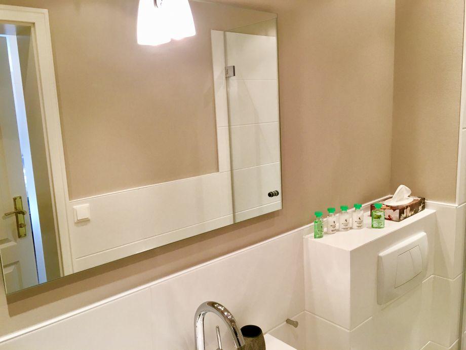 different living ferienwohnung 06 flut sylt firma. Black Bedroom Furniture Sets. Home Design Ideas
