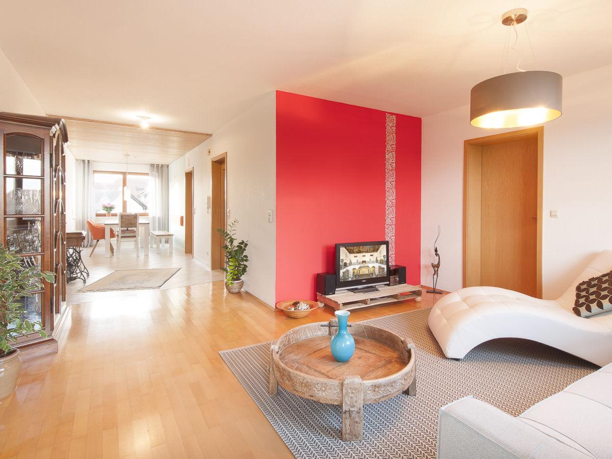 ferienwohnung schloss see bodensee firma marx managt ferienwohnungen am bodensee frau. Black Bedroom Furniture Sets. Home Design Ideas