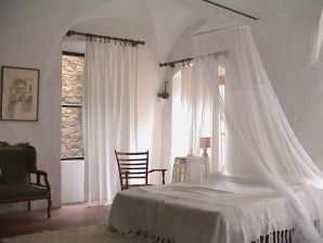 "Holiday apartment ""The Studio"" Artists hill Village. Bussana Vecchia"
